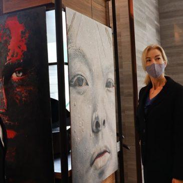 โรงแรมฮิลตัน สุขุมวิท กรุงเทพฯ ร่วมเฉลิมฉลองวันสตรีสากล จัดแสดงนิทรรศการศิลปะ ร่วมกับศิลปินชาวอิตาเลียน ซาวาริโอ ลุคชี ตลอดเดือนมีนาคม